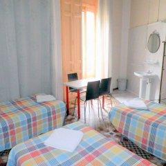 Отель Pensión Universal комната для гостей
