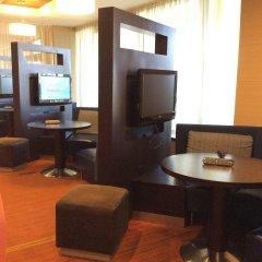 Отель Courtyard New York LaGuardia Airport США, Нью-Йорк - отзывы, цены и фото номеров - забронировать отель Courtyard New York LaGuardia Airport онлайн интерьер отеля