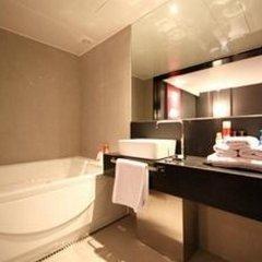 Отель Mai Hotel Seoul Южная Корея, Сеул - отзывы, цены и фото номеров - забронировать отель Mai Hotel Seoul онлайн ванная