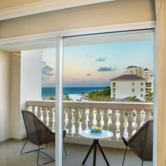 Отель Hyatt Ziva Rose Hall Ямайка, Монтего-Бей - отзывы, цены и фото номеров - забронировать отель Hyatt Ziva Rose Hall онлайн балкон