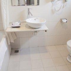 Отель Cherry Hotel 2 Вьетнам, Ханой - отзывы, цены и фото номеров - забронировать отель Cherry Hotel 2 онлайн ванная