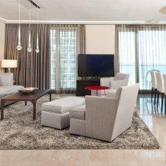 Отель Crowne Plaza Tel Aviv Beach комната для гостей фото 4