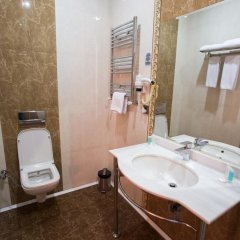 Отель Grand Hotel Азербайджан, Баку - 8 отзывов об отеле, цены и фото номеров - забронировать отель Grand Hotel онлайн ванная фото 2