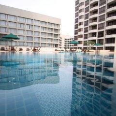 Отель Crescat Residencies Apartments Шри-Ланка, Коломбо - отзывы, цены и фото номеров - забронировать отель Crescat Residencies Apartments онлайн бассейн