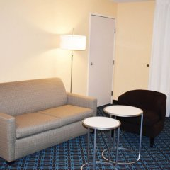 Отель Fairfield Inn & Suites by Marriott Albuquerque Airport комната для гостей фото 4