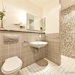 Novum Hotel Gates Berlin Charlottenburg ванная