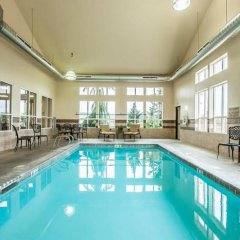 Отель Comfort Inn And Suites McMinnville бассейн фото 3