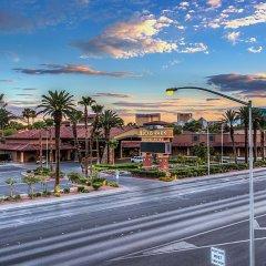 Отель Alexis Park All Suite Resort балкон