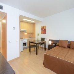 Отель Tryp Madrid Airport Suites комната для гостей фото 2