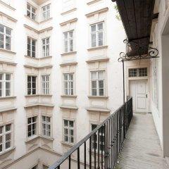 Отель Heart of Vienna Apartments Австрия, Вена - отзывы, цены и фото номеров - забронировать отель Heart of Vienna Apartments онлайн балкон