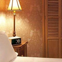 Отель Hypnos Design сейф в номере