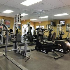 Отель Clarion Inn & Suites Clearwater фитнесс-зал фото 4