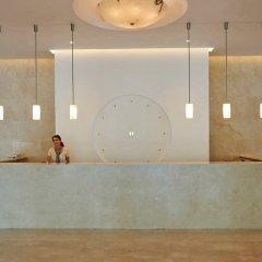 Отель Sunrise Beach Hotel Кипр, Протарас - 5 отзывов об отеле, цены и фото номеров - забронировать отель Sunrise Beach Hotel онлайн интерьер отеля