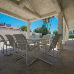 Отель Luxurious 5BR near Las Vegas Strip США, Лас-Вегас - отзывы, цены и фото номеров - забронировать отель Luxurious 5BR near Las Vegas Strip онлайн бассейн фото 2