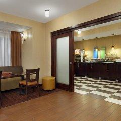 Отель Hampton Inn Columbus-International Airport интерьер отеля фото 2