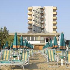 Отель Grand Hotel Adriatico Италия, Монтезильвано - отзывы, цены и фото номеров - забронировать отель Grand Hotel Adriatico онлайн бассейн фото 2