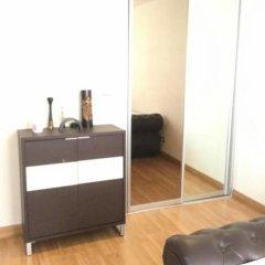 Отель The Fah Condominium Бангкок удобства в номере