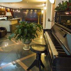 Отель Gloria Palace Hotel Болгария, София - 3 отзыва об отеле, цены и фото номеров - забронировать отель Gloria Palace Hotel онлайн бассейн