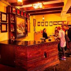 Отель Kathmandu Eco Hotel Непал, Катманду - отзывы, цены и фото номеров - забронировать отель Kathmandu Eco Hotel онлайн интерьер отеля фото 3
