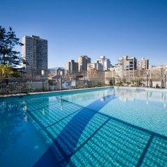 Отель Sandman Suites Vancouver on Davie Канада, Ванкувер - отзывы, цены и фото номеров - забронировать отель Sandman Suites Vancouver on Davie онлайн бассейн
