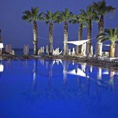 Отель Vrissiana Beach Hotel Кипр, Протарас - 1 отзыв об отеле, цены и фото номеров - забронировать отель Vrissiana Beach Hotel онлайн бассейн фото 3