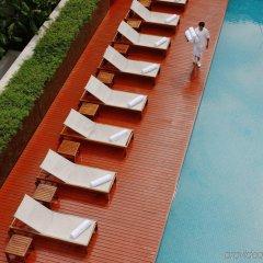 Отель COMO Metropolitan Bangkok бассейн фото 3