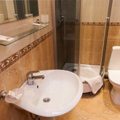 Гостиница У фонтана ванная фото 6