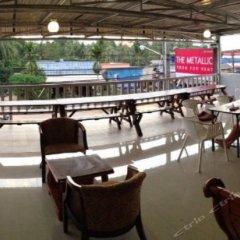 The Metallic Hostel гостиничный бар