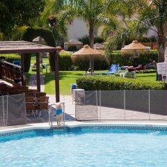 Отель Monarque Fuengirola Park Испания, Фуэнхирола - 2 отзыва об отеле, цены и фото номеров - забронировать отель Monarque Fuengirola Park онлайн бассейн фото 2