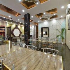 OYO 23085 Baba Hotel развлечения