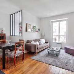 Апартаменты Apartment full of lights - Ternes комната для гостей фото 2