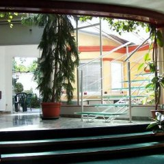 Classic Hotel бассейн