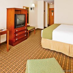 Holiday Inn Express Hotel & Suites MERIDIAN удобства в номере