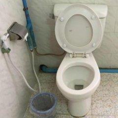 Отель Smile Motel Мьянма, Пром - отзывы, цены и фото номеров - забронировать отель Smile Motel онлайн ванная
