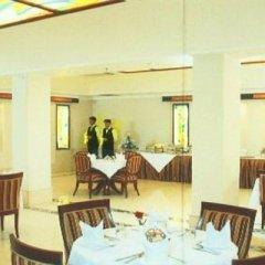 Отель Ashoka International Индия, Нью-Дели - отзывы, цены и фото номеров - забронировать отель Ashoka International онлайн питание фото 3