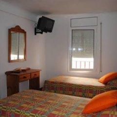 Отель Hostal Colonia B&B Испания, Курорт Росес - отзывы, цены и фото номеров - забронировать отель Hostal Colonia B&B онлайн комната для гостей фото 3