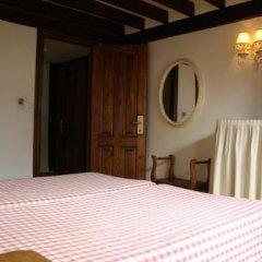 Отель Hosteria La Antigua Потес сейф в номере