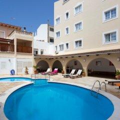 Отель Menorca Patricia Испания, Сьюдадела - отзывы, цены и фото номеров - забронировать отель Menorca Patricia онлайн бассейн фото 3