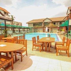 Отель Waratee Spa Resort Villa бассейн фото 3