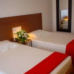 Trieste Hotel Римини сейф в номере