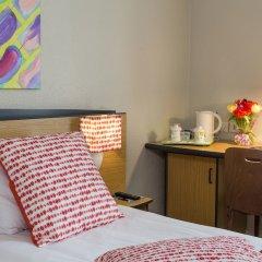 Отель Hôtel Paris Louis Blanc - Paris 10 удобства в номере