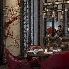 Four Seasons Hotel London at Ten Trinity Square гостиничный бар