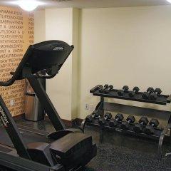 Отель La Quinta Inn & Suites Oshawa фитнесс-зал