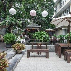 Отель Feung Nakorn Balcony Rooms & Cafe Бангкок фото 4