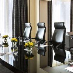 Отель Crowne Plaza Paris Republique фото 16