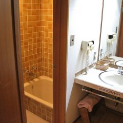 Отель Misasa Yakushinoyu Mansuirou Мисаса ванная фото 2