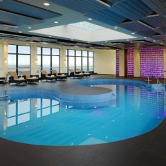 Отель Sheraton Munich Arabellapark Hotel Германия, Мюнхен - отзывы, цены и фото номеров - забронировать отель Sheraton Munich Arabellapark Hotel онлайн бассейн фото 2