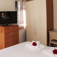 Отель Alloggio Ai Tre Ponti Италия, Венеция - 1 отзыв об отеле, цены и фото номеров - забронировать отель Alloggio Ai Tre Ponti онлайн удобства в номере фото 2