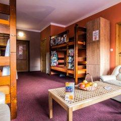 Top Hostel Pokoje Gościnne спортивное сооружение