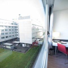 Отель Axor Feria балкон